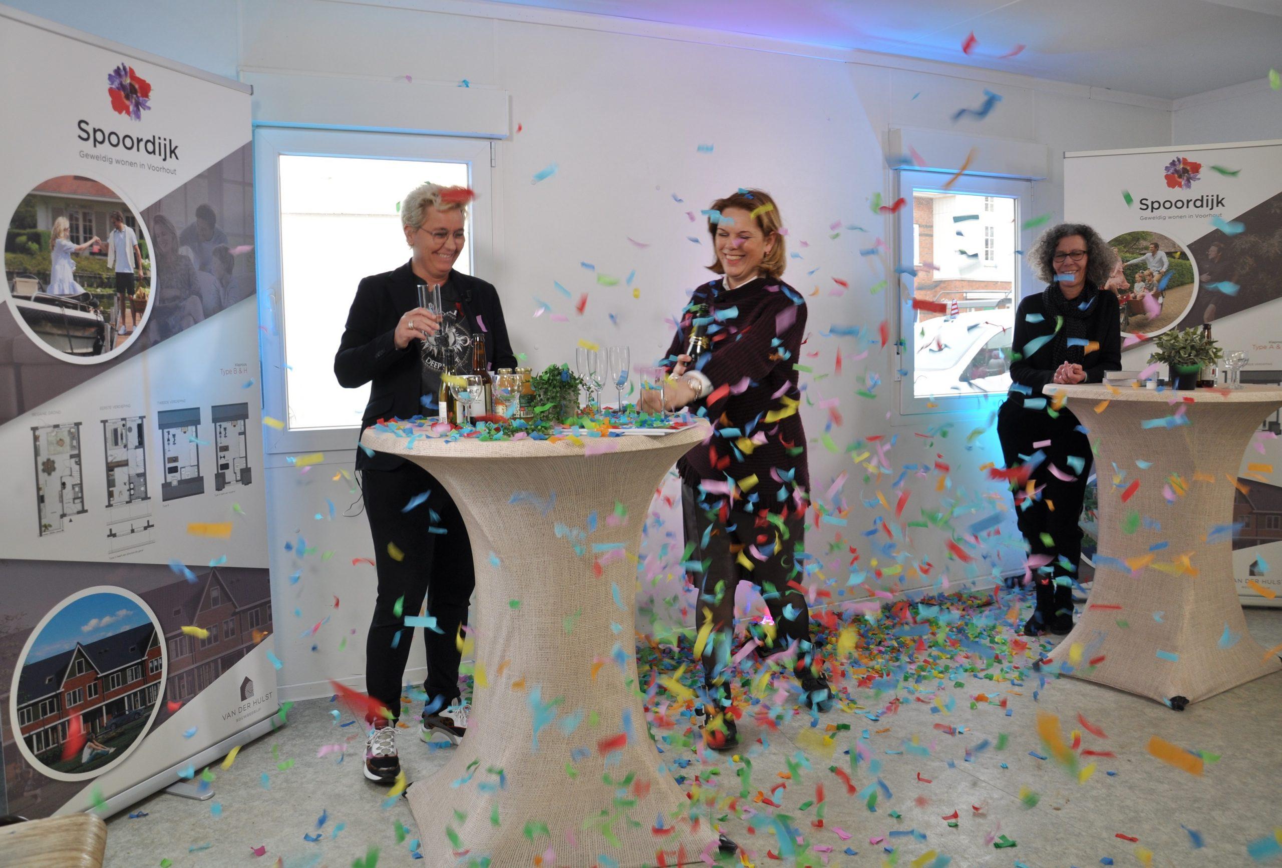 Digitaal feest: start bouw eengezinswoningen Spoordijk